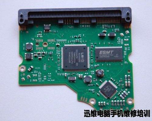 首先拆解下机械硬盘的电路板