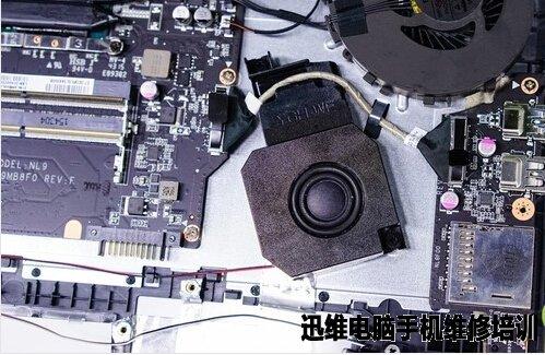 三星gt-l9500电路板内部结构图