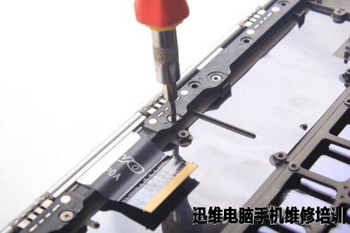 技嘉p34w v5笔记本拆机图解