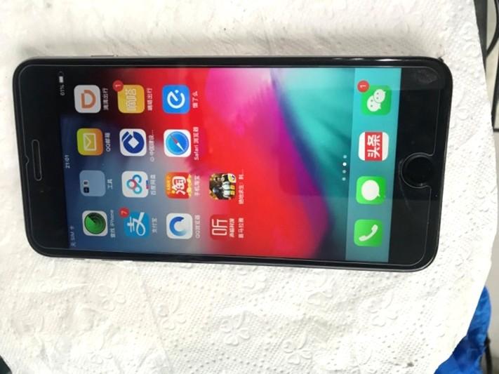 Iphone 6p自己换屏后不开机维修(图3)