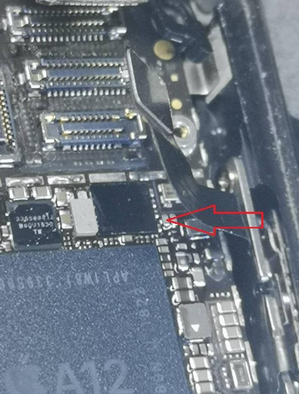 iPhoneXR手机开机白苹果维修 图4